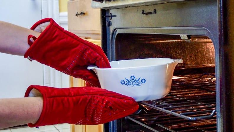 Best Oven Mitts Suitable For Small Hands 1