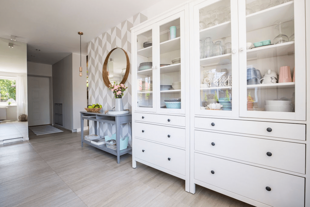 How Much Does It Cost To Put New Doors On Kitchen Cabinets? 11