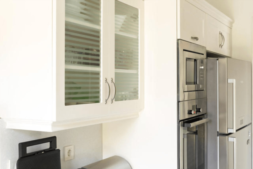 How Much Does It Cost To Put New Doors On Kitchen Cabinets? 10