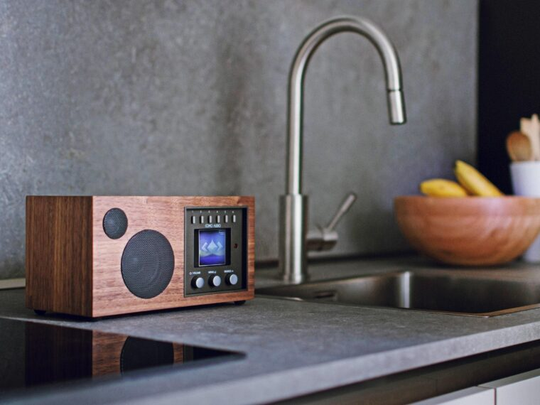 Best Small Radio For Kitchen 5