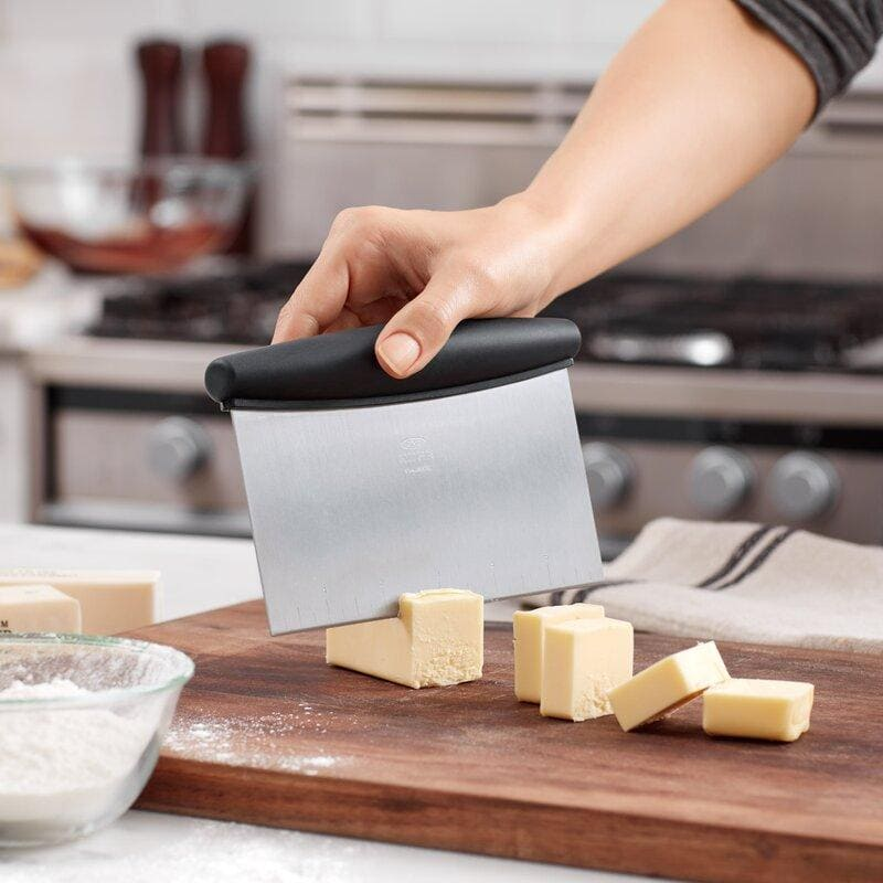 Best Bench Scraper For Icing Cake 2